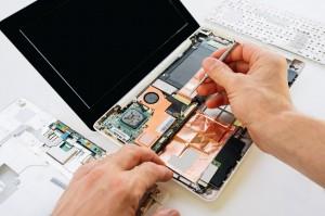 kompleksowa naprawa zesputego laptopa